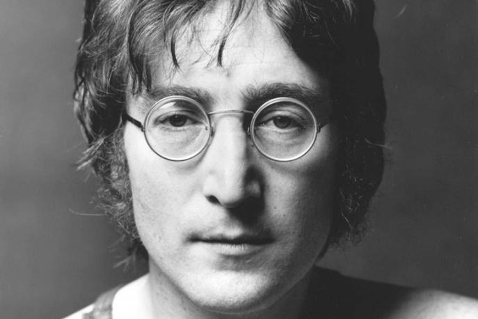 Tymon Tymański i inni na urodzinach Johna Lennona