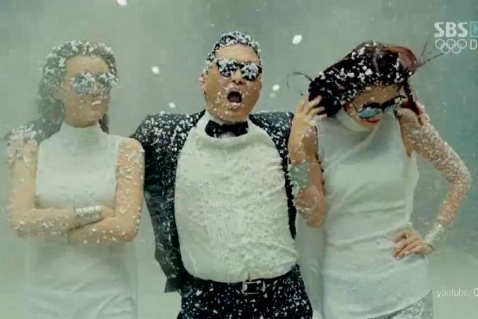 """Kto jeszcze zarobił na PSY """"Gangnam Style""""?"""