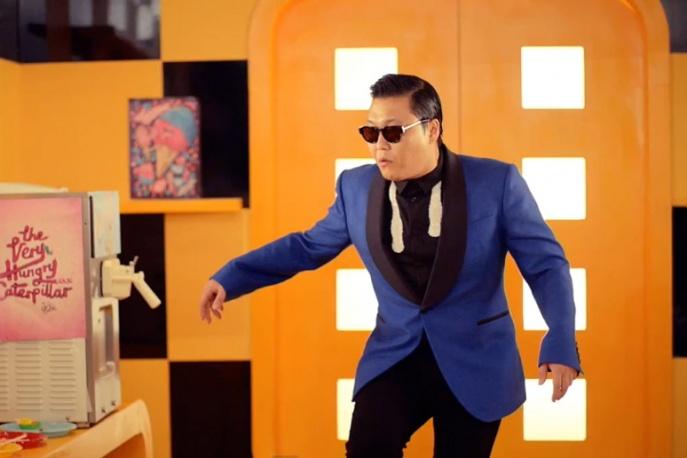"Twórca ""Gangnam Style"" wspiera koleżankę – video"