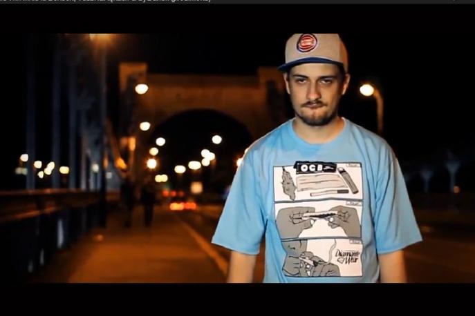 """Małaz – """"Nie wiń mnie"""" (feat. Bonson i TuszNaRękach) – video"""