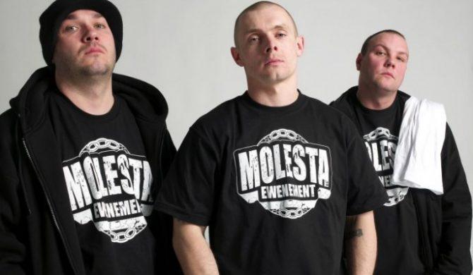 Molesta zagra koncert w Dwójce – video