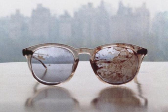 Zakrwawione okulary Johna Lennona