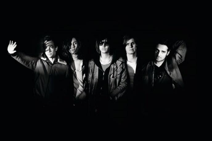 The Killers zagrali The Strokes (wideo)