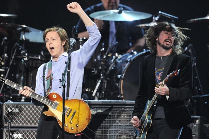 Paul McCartney ponownie z muzykami Nirvany (wideo)