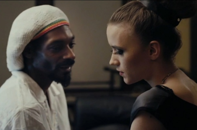 Nowy klip Izy Lach i Snoopa (wideo)
