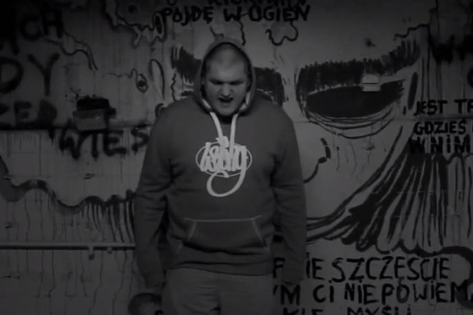 """Skor – """"Kwiaty"""" feat. Wizja Lokalna (wideo)"""