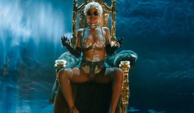 "Rihanna – ""Pour It Up"" (wideo)"