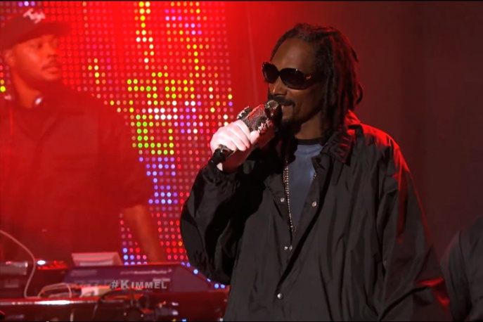 Snoop i Dam-Funk u Jimmy`ego Kimmela (wideo)