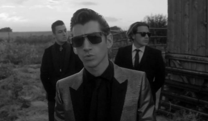 """Arctic Monkeys – """"One For The Road"""" (wideo)"""