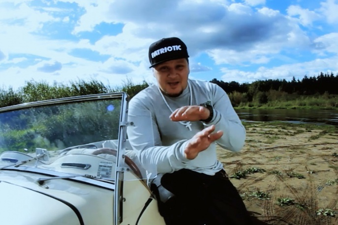 """Buczer – """"Dość"""" feat. Zeus, VNM, Verte, Bezczel (wideo)"""