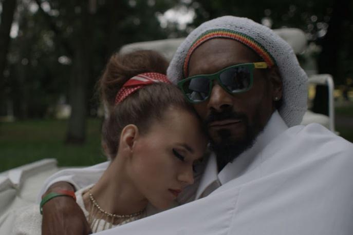 Iza Lach coveruje Snoopa (wideo)