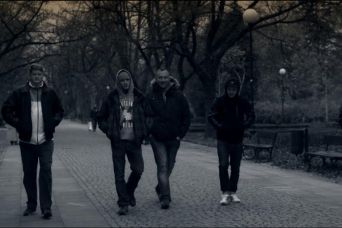 """Dixon37 – """"Bliżej niż myślisz"""" feat. Włodi, Miodu (wideo)"""