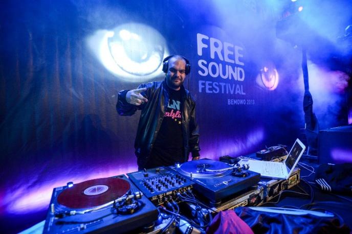 """Posłuchaj: Tede – """"Uwielbiam Joł"""" (DJ Tuniziano Blend)"""