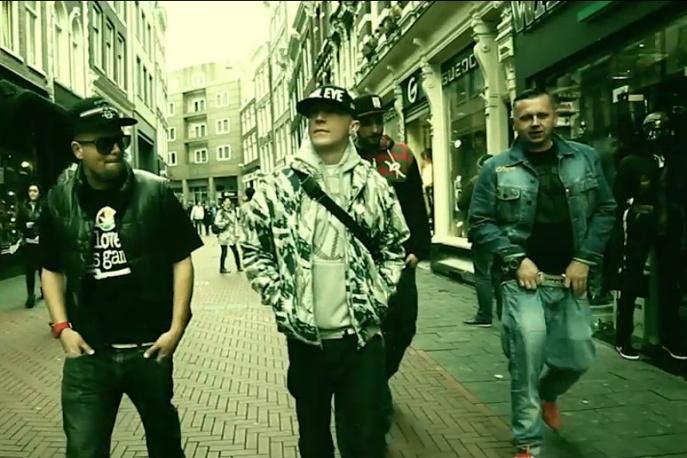 "Kajman – ""Radio 5G FM"" feat. Buszu, Dejan, Borixon, Sitek (wideo)"