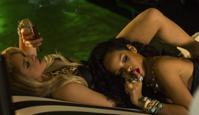 """Shakira – """"Can`t Remember To Forget You"""" feat. Rihanna (wideo)"""