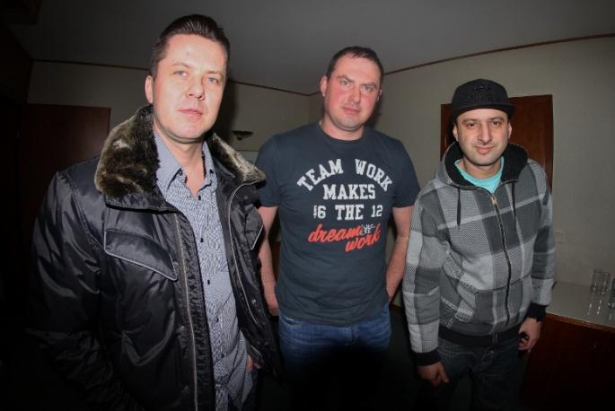 Wujek Samo Zło graczem Proper Records