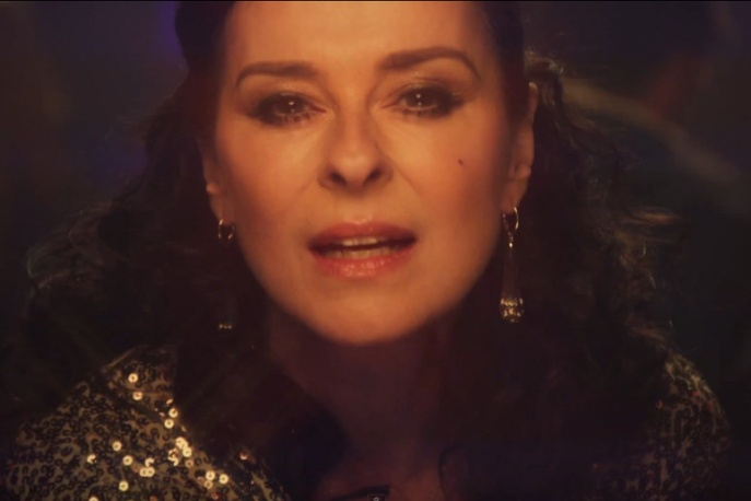 """Lisa Stansfield – """"Carry On"""" (wideo)"""