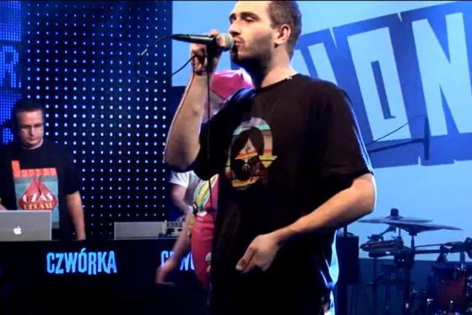 """Zobacz klip: Chonabibe – """"Moi ludzie"""" (live)"""