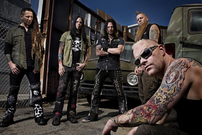 Five Finger Death Punch supportem Judas Priest