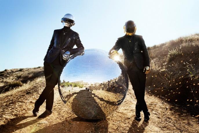 Daft Punk zabiorą Was w podróż do wnętrza piramidy