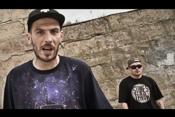 """EP-ka Luxona już w przyszłym tygodniu. O.S.T.R., Hades, Torae i DJ Kebs gościnnie w klipie do """"Shame"""""""