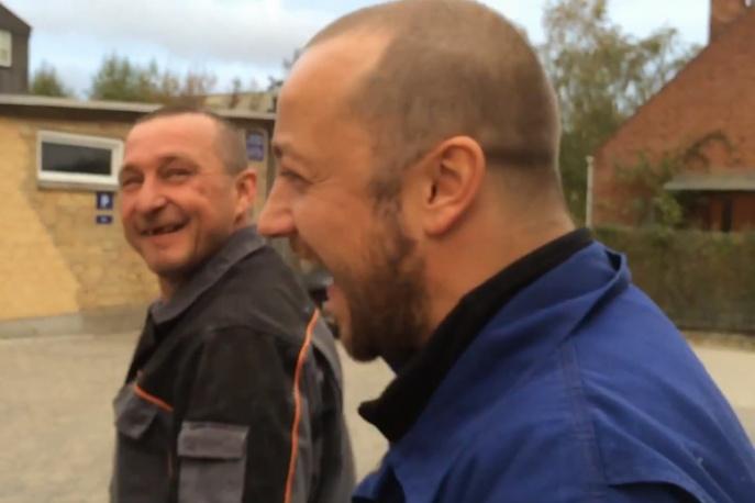 """Czesław Śpiewa – """"Dom na budowie"""" (wideo)"""