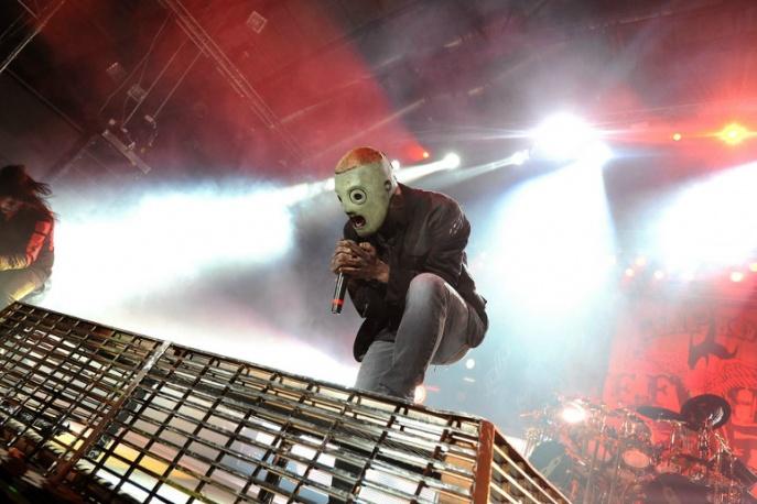 """Muzycy Slipknota dołączają do Korna. Zobaczcie wspólne wykonanie """"Sabotage"""" Beastie Boys"""