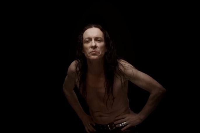Titus z Acid Drinkers w nowym klipie Nataszy Urbańskiej