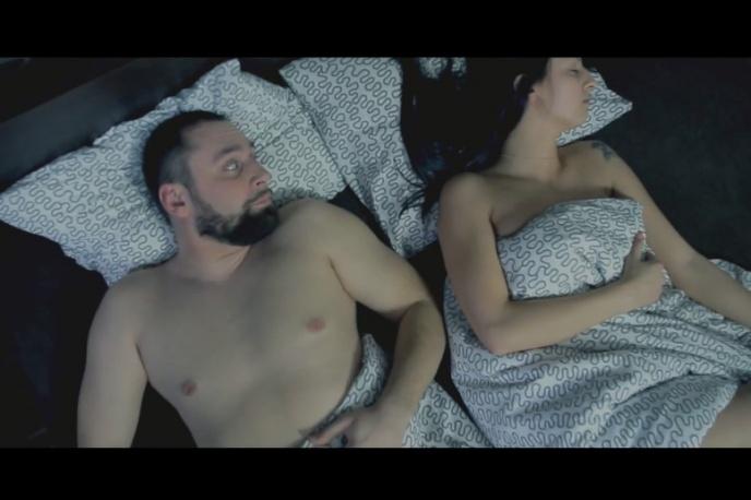 """""""Ladies"""" – Kroolik Underwood z nowym klipem"""