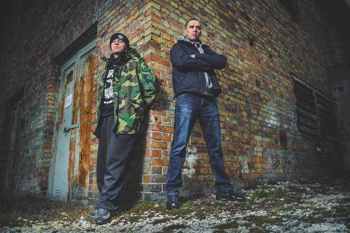 Małach & Rufuz w nowym singlu Steel Banging