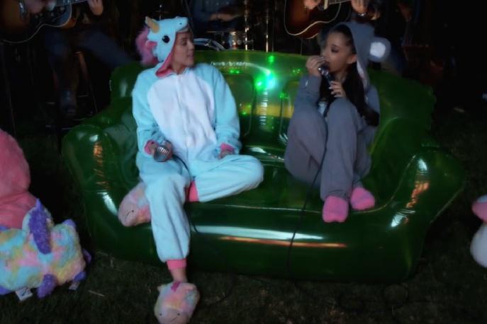 Ariana Grande gościnnie u Miley Cyrus