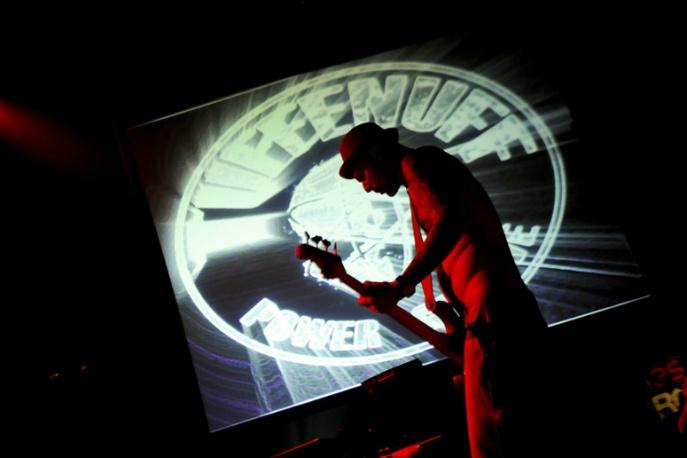 Koncerty, dokument, nowy klip – czerwcowe plany Tuff Enuff