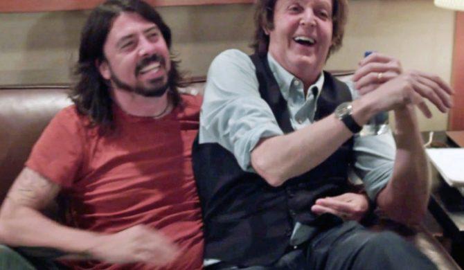 Dave Grohl gościnnie u Paula McCartneya (wideo)