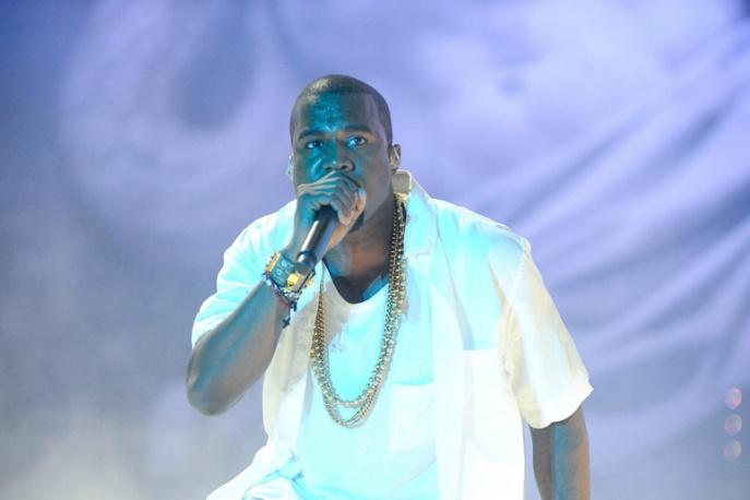 Fan wtargnął na scenę podcza koncertu Kanye Westa na Glastonbury