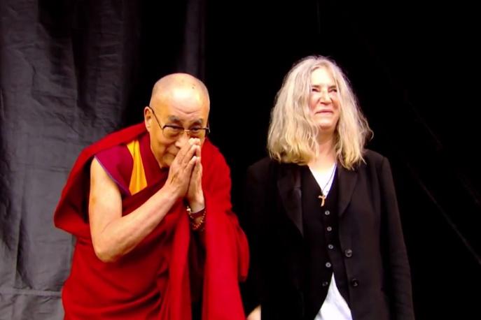 Glastonbury: Patti Smith zaprosiła na scenę Dalajlamę (wideo)