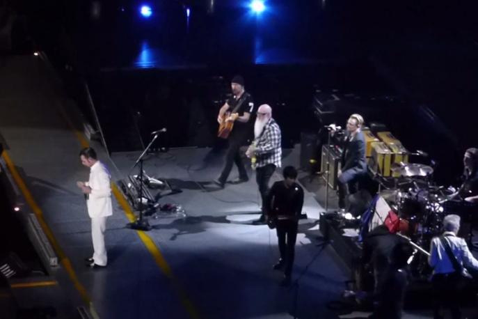 Eagles Of Death Metal wrócili do Paryża. Grupa wystąpiła u boku U2