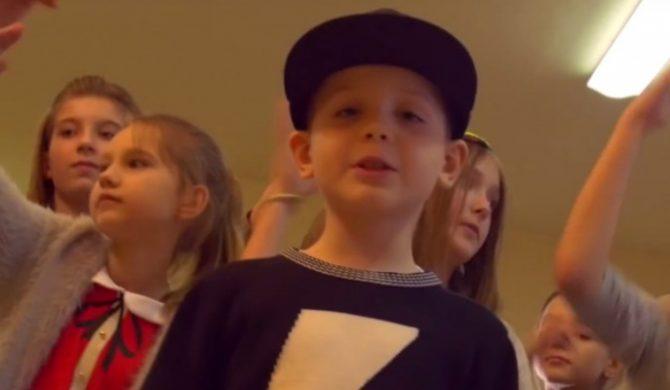 """Klasa ze snów"" – teledysk siedmioletniego syna O.S.T.R.-a"