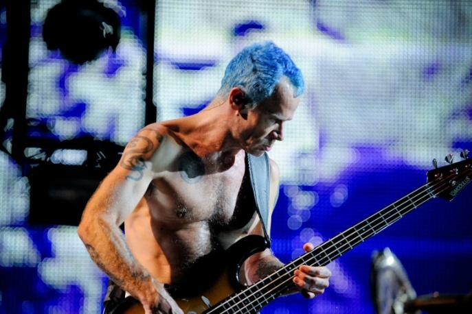 Flea uczcił Davida Bowiego nowym tatuażem