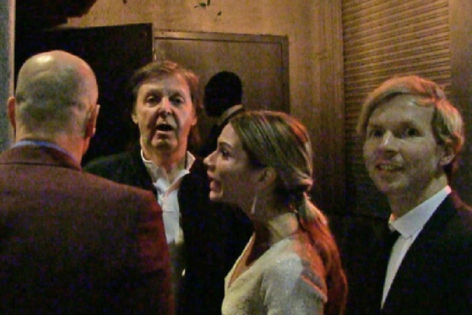 Ochroniarz nie wpuścił Paula McCartneya, Becka i Taylora Hawkinsa na imprezę Tygi po gali Grammy
