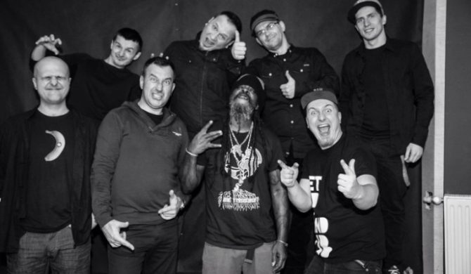 """Ghetto Priest & Positive Thursdays in DUB – """"I Murder Hate"""" (wideo)"""