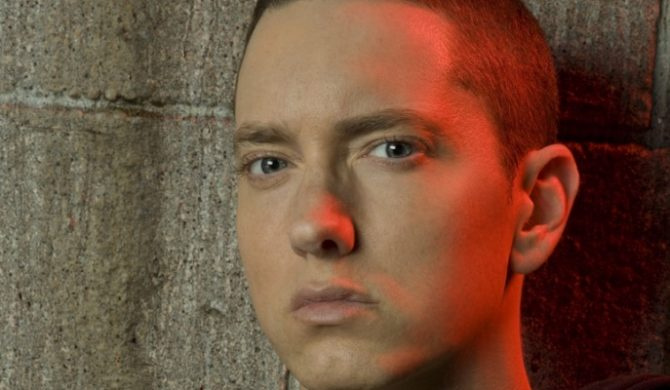 Eminem broni Jessicę Simpson