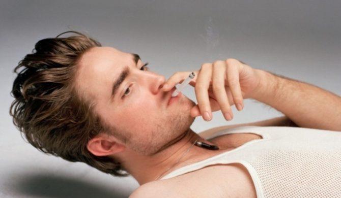 Robert Pattinson boi się śpiewać