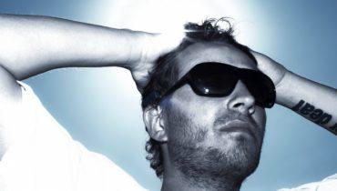 Pierwszy na świecie album człowieka o sztucznym słuchu!