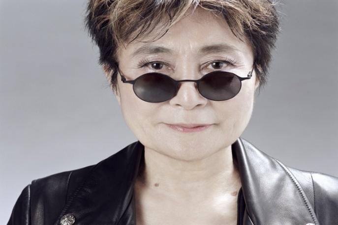 Yoko Ono pisze