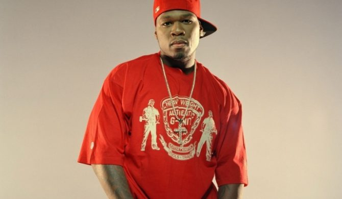 50 Cent zdejmuje biżuterię