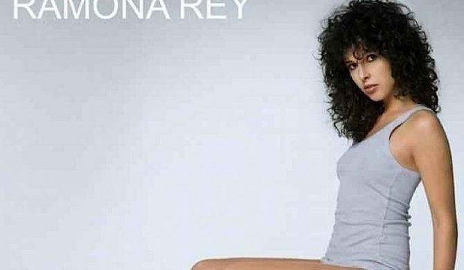 Ramona Rey w klipie Akona [video]