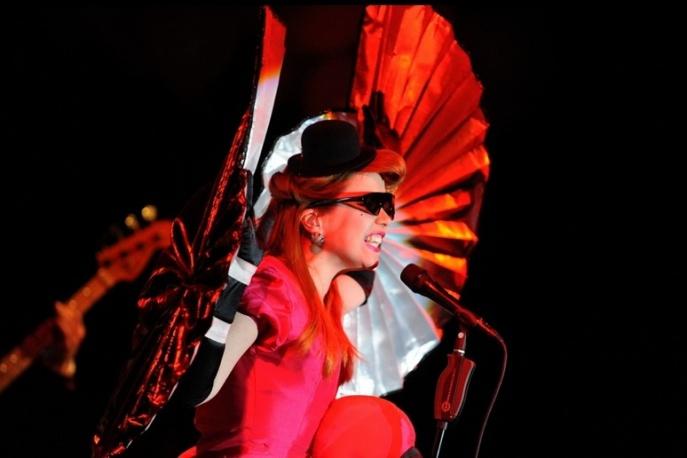 """Teledysk: Paloma Faith – """"Upside Down"""""""