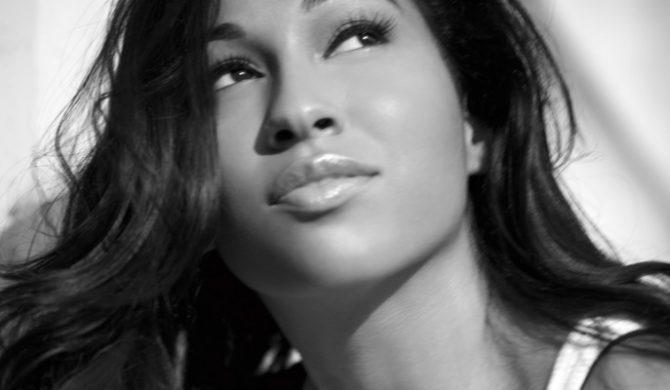 "Teledysk: Melanie Fiona – ""Ay Yo"""